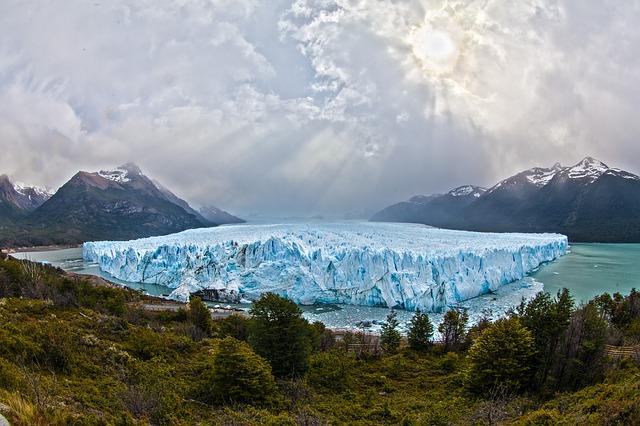 Weltweit abschmelzende Gletscher
